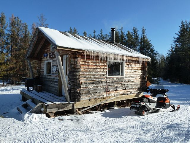 Time for lunch at Eleanor Lake Shelter.