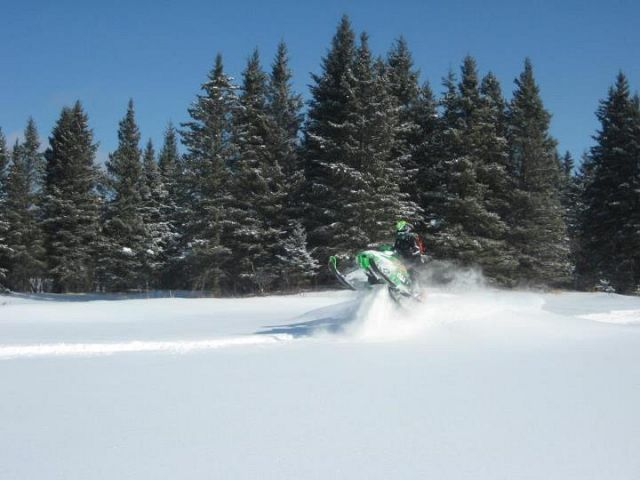 sawing through the nice powder at the swan plain derby