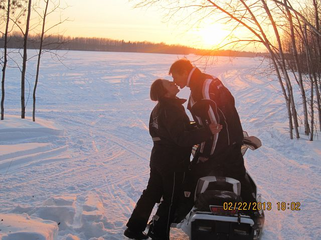 Smooching on the trails!