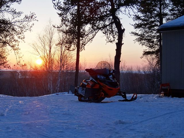 Here at Reuben's Ridge the sun sets on what may be our last ride of the 2012/13 season. It has been an exceptional year on wonderfully maintained trails. A huge THANKS to all involved in making them so!  Good Luck on the contest everyone!