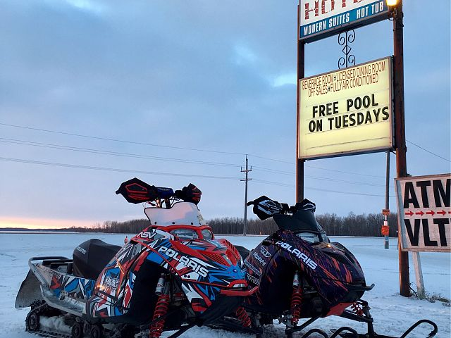 Great place to stop and warm up. Great burgers!!