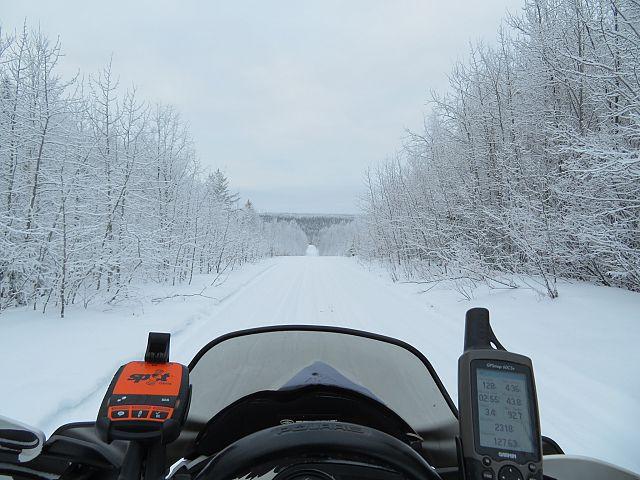Trail 208 L , wide open