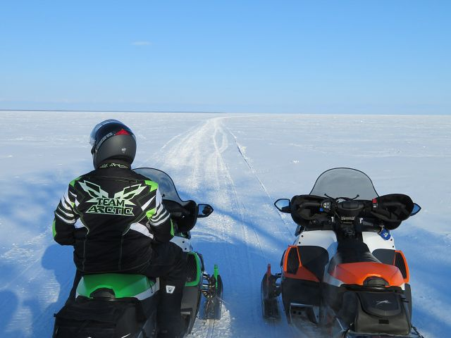 Happy to find the lake trail perfectly groomed all the way to Hecla Island